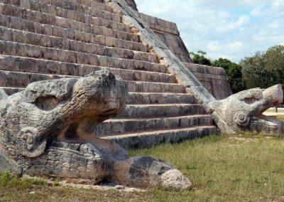 «Тайна Пернатого Змея», Армандо Торрес